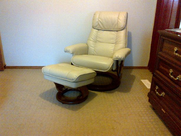 Dixon Taupe Reclining Chair Amp Ottoman North Regina Regina