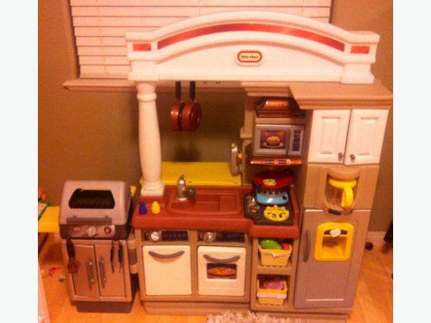 Little Tikes Sizzle N Serve Kitchen West Shore Langford