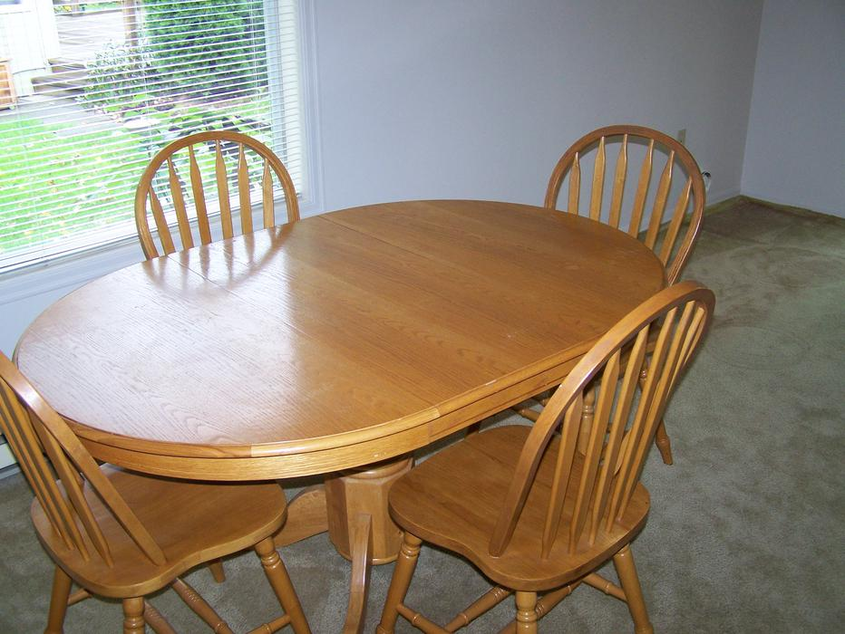Oak dining room table saanich victoria for Dining room tables victoria