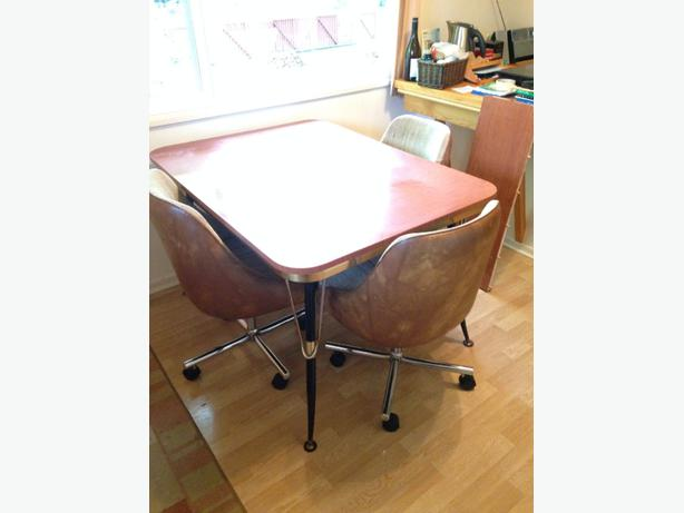 Retro Chrome Kitchen Table And Chairs Saanich Victoria