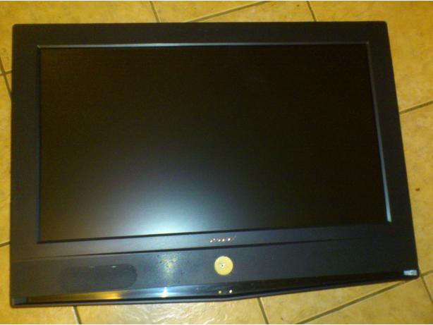 26 inch television for sale victoria city victoria. Black Bedroom Furniture Sets. Home Design Ideas