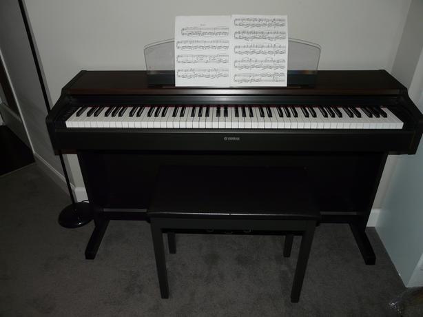 Yamaha digital piano victoria city victoria for Yamaha piano store winnipeg