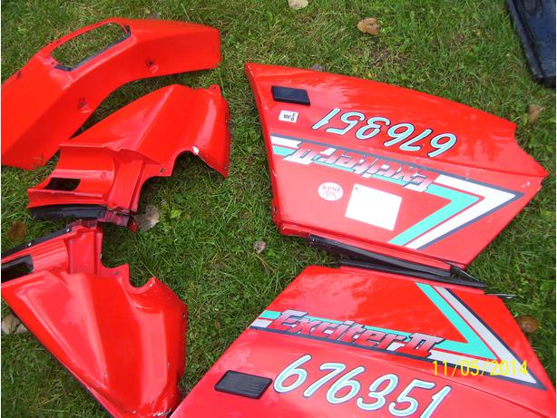 Yamaha Exciter ll body panels side panels quarter panels headlight fairing