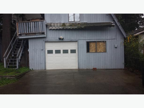 Suite for rent above garage west shore langford colwood for Suite above garage