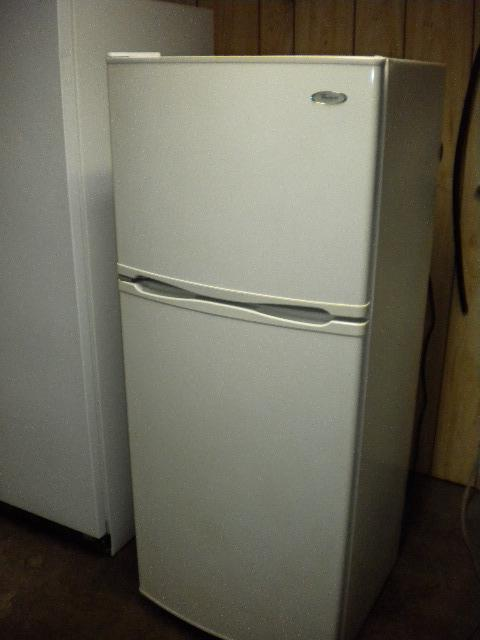 whirlpool 12 cu ft apartment size frost free refrigerator