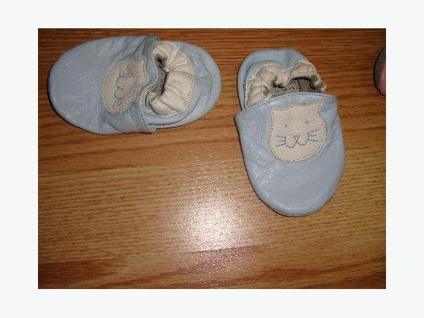 Like New Leather Blue Slippers Sise 6-12 month - Excellent Condition!