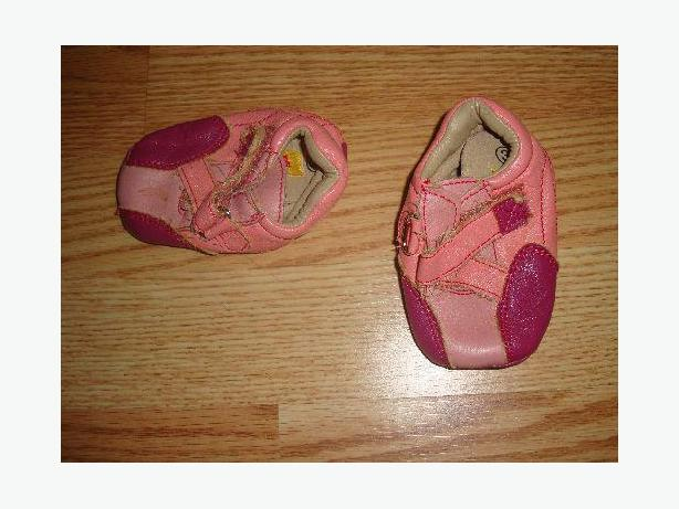 Like New Leather Pink Slippers Size 3-9 months Bumkids - Excellent Condition!