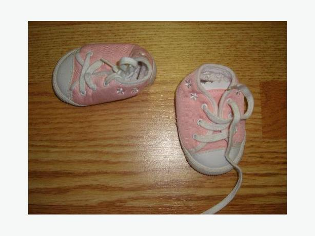 Pink Runners Size 0-3 months Infant Goldbug - $2