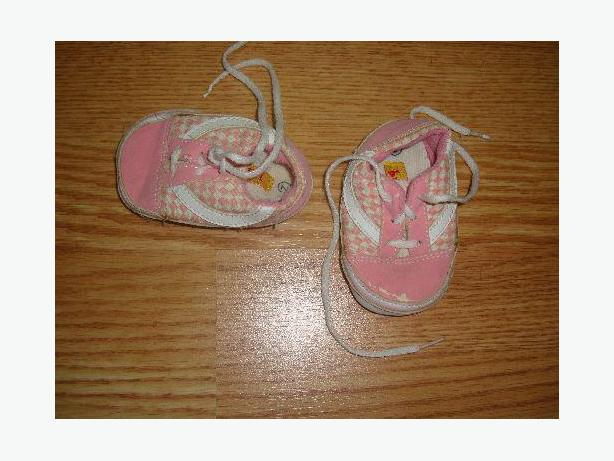 Pink Shoes Size 2 Infant Bumkids - $1
