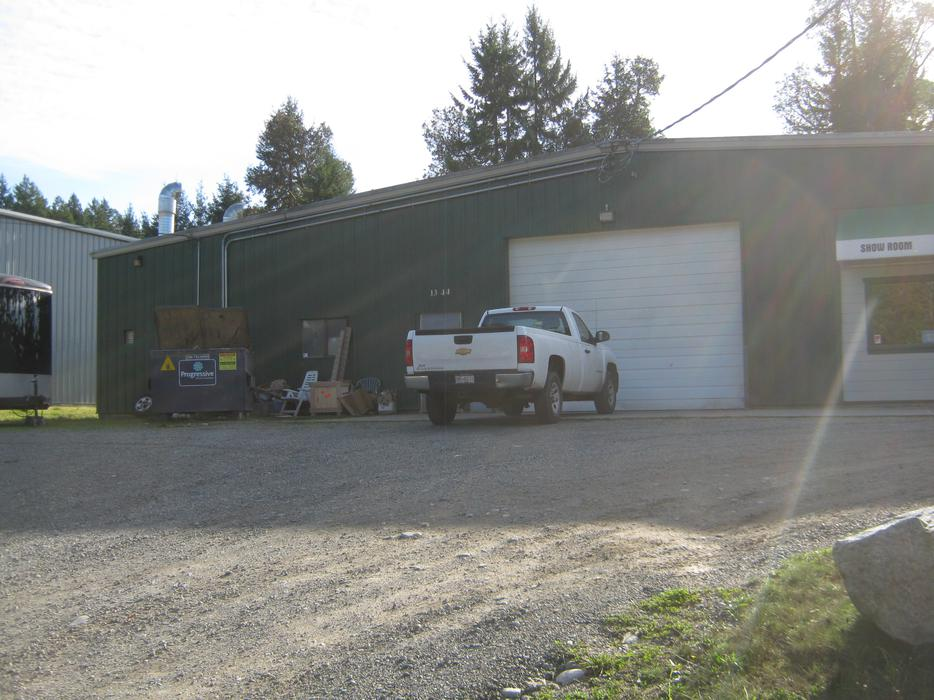 Light industrial shop space for lease cobble hill cowichan - Small commercial rental space photos ...