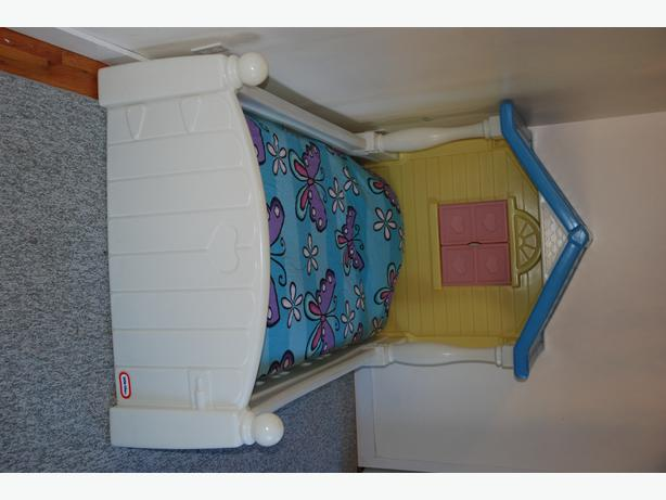 Little Tikes Twin Size Country Cottage Bed Saanich Victoria