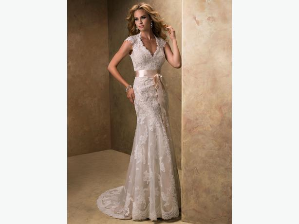 Wedding Dress Alterations Halifax : Sottero couture bronwyn lace wedding dress vancouver city