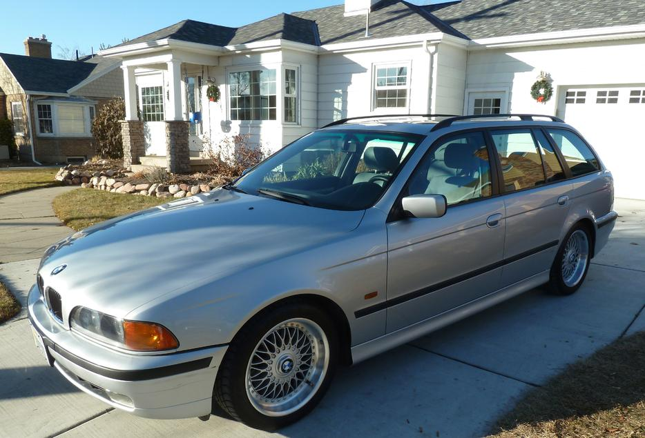 Bmw 528i Sport Wagon With M Sport Package 7500 Obo Victoria City Victoria