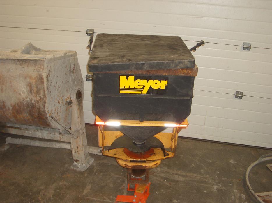 Meyer mini salt spreader victoria city victoria mobile for Meyer salt spreader motor