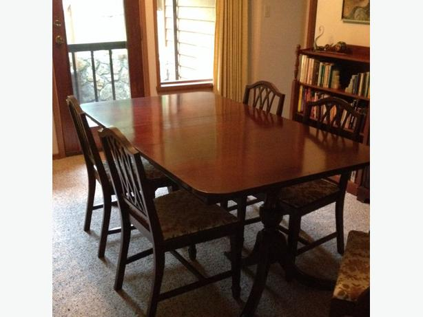 Knechtel Dining Table And Chairs Central Saanich Victoria