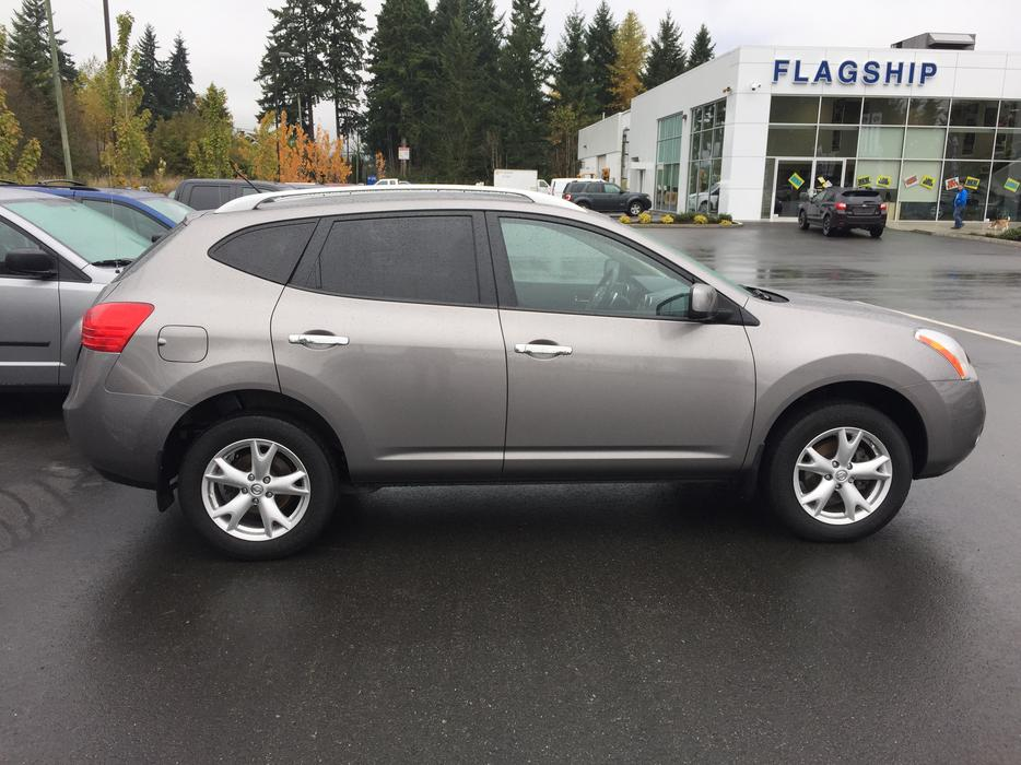 Fs 2010 Nissan Rogue Awd Outside Victoria Victoria