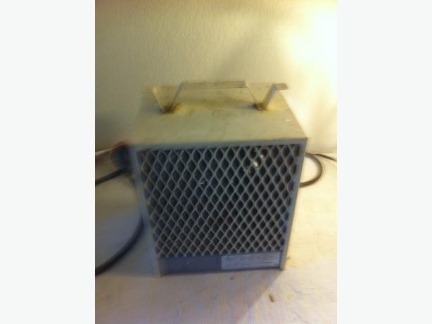 4800-Watt Portable Construction Heater (used but works good)