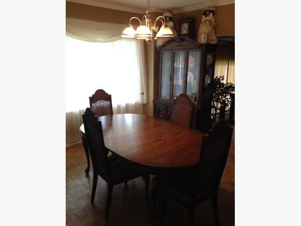 Complete dining room set outside ottawa gatineau area ottawa for Complete dining room sets