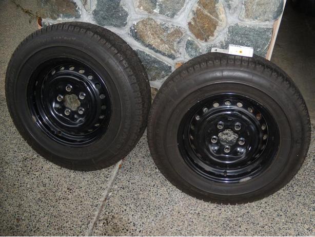 2 vw vanagon van 14 inch snow tires on rims saanich victoria. Black Bedroom Furniture Sets. Home Design Ideas