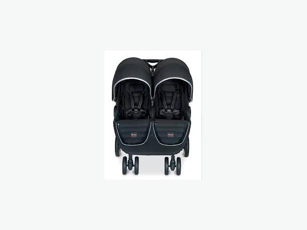 like new britax b agile double stroller w 1 b safe infant carseat and base rural regina regina. Black Bedroom Furniture Sets. Home Design Ideas