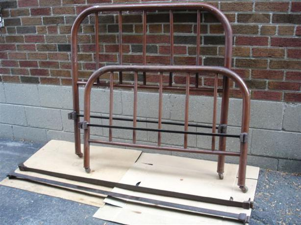 antique metal twin bed 1