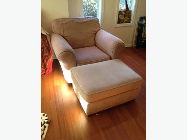 Big comfy armchair and ottoman saanich victoria for Comfy armchair with ottoman