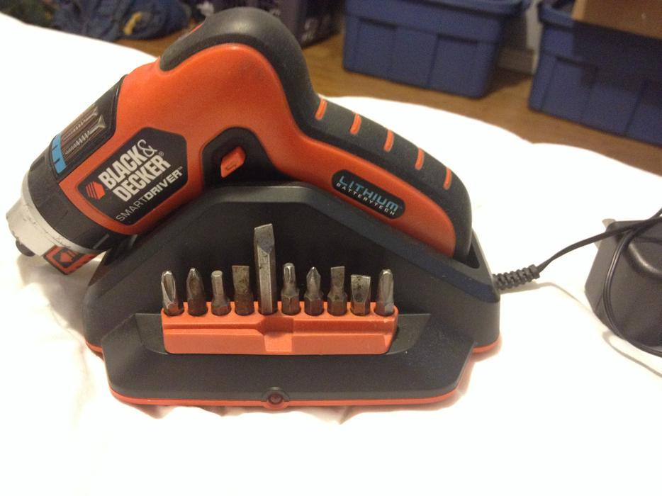 Black & Decker Lithium-Ion SmartDriver LI4000 A