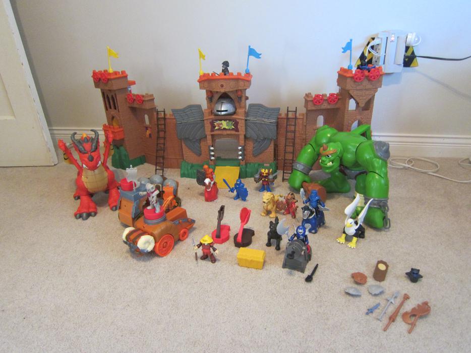 Fisher-Price Imaginext Eagle Talon Castle, Dragon, Ogre and more! Saanich, Victoria
