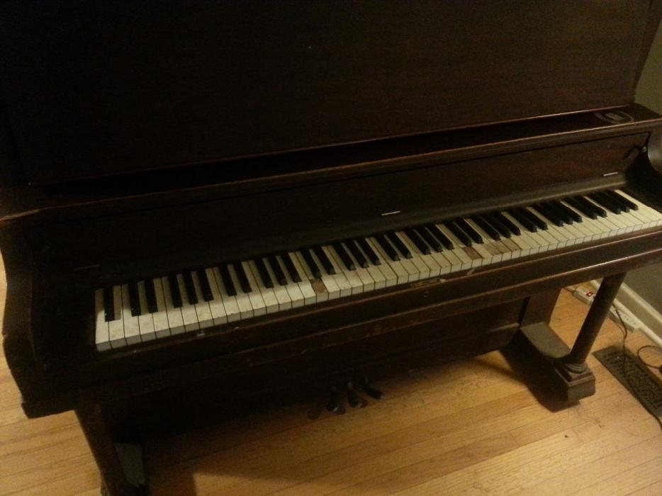 Free antique upright grand piano central ottawa inside for Small grand piano size