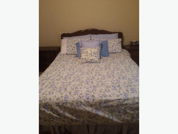 Bedroom set great deal saanich victoria for Good deals on bedroom sets