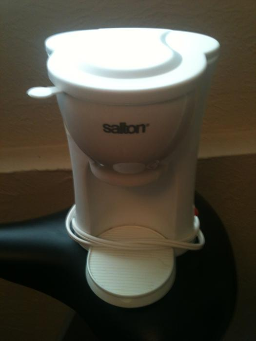 1 Cup Coffee Maker with reusable filter Victoria City, Victoria
