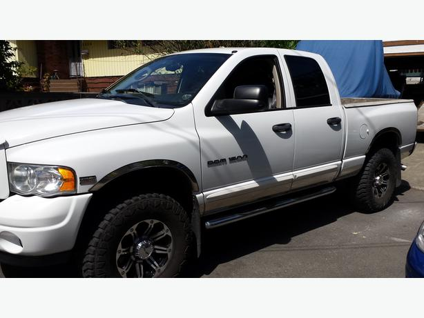 2004 dodge ram 1500 laramie quad cab outside nanaimo nanaimo. Black Bedroom Furniture Sets. Home Design Ideas