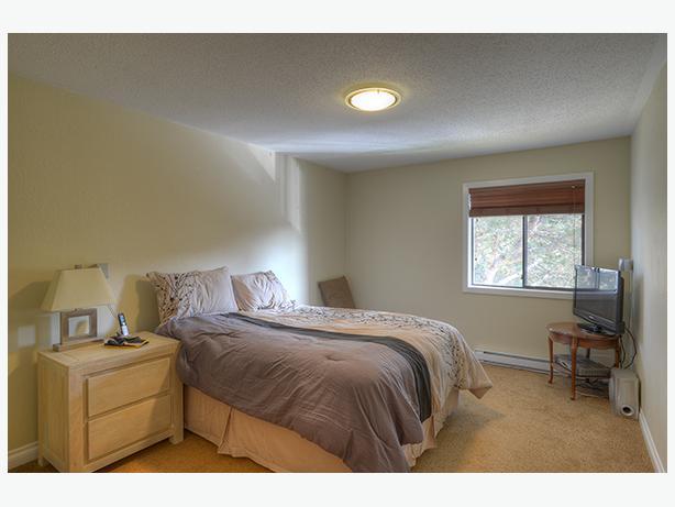 Rare two bedroom plus den condo sw gorge cedar shores for 2 bedroom with den