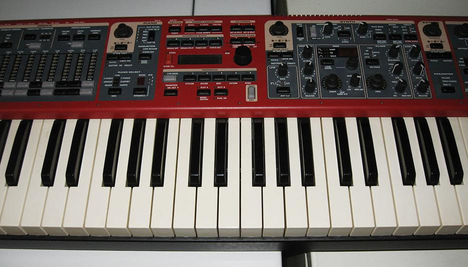 nord stage 2 sw73 keyboard w stand deluxe gig bag victoria city victoria. Black Bedroom Furniture Sets. Home Design Ideas