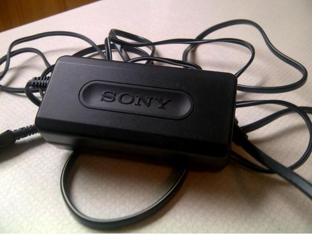 SONY Camcorder Battery Recharger