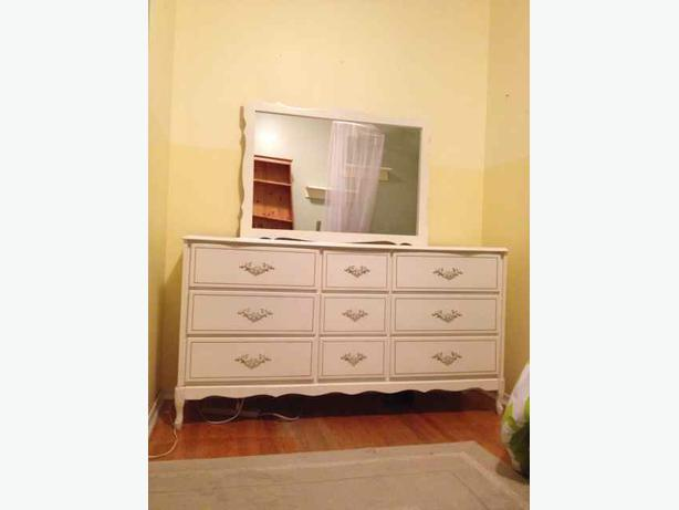 White Nightstand And Dresser: White Dresser & Mirror, 4 Drawer Chest And Nightstand