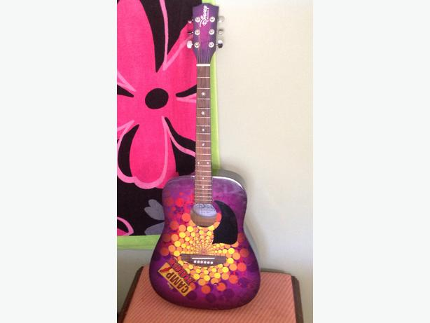 Disney Camp Rock Guitar : Disney camp rock guitar in great shape colwood pick up