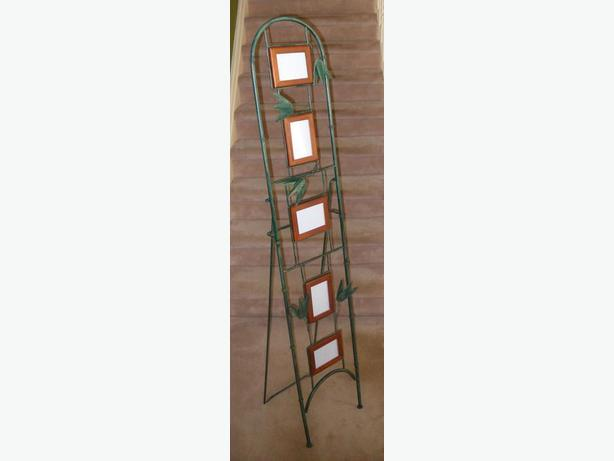 Like-New, Sturdy, Free-Standing Metal Framed Picture Stand