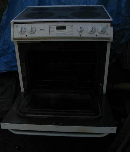 Frigidaire Gallery Glass Top Stove