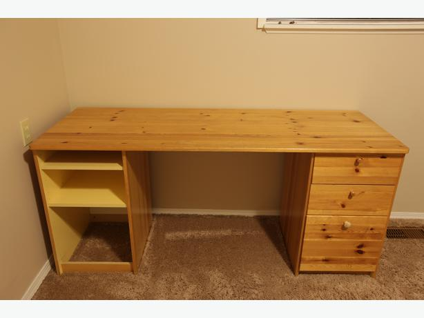 Large ikea pine desk saanich victoria for Pine desk ikea