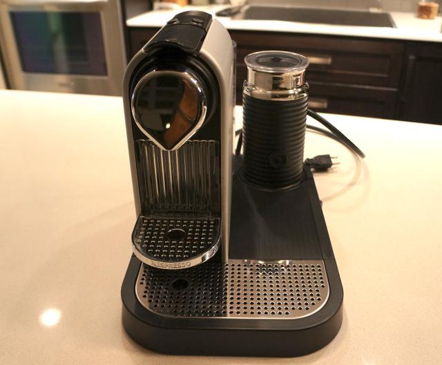 Nespresso Citiz & Milk Espresso Maker Platform & capsule holder Victo -> Nespresso Ottawa