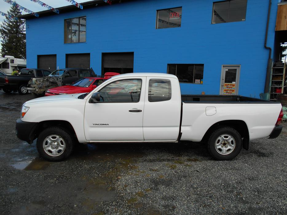 2006 toyota tacoma 2wd manual trans outside victoria. Black Bedroom Furniture Sets. Home Design Ideas