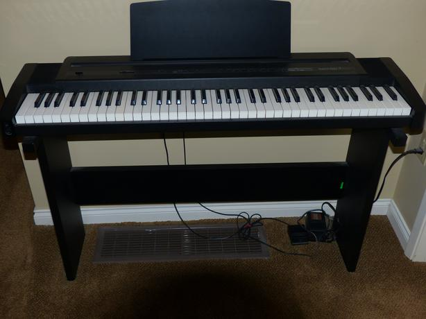 roland ep7 digital keyboard saanich victoria. Black Bedroom Furniture Sets. Home Design Ideas