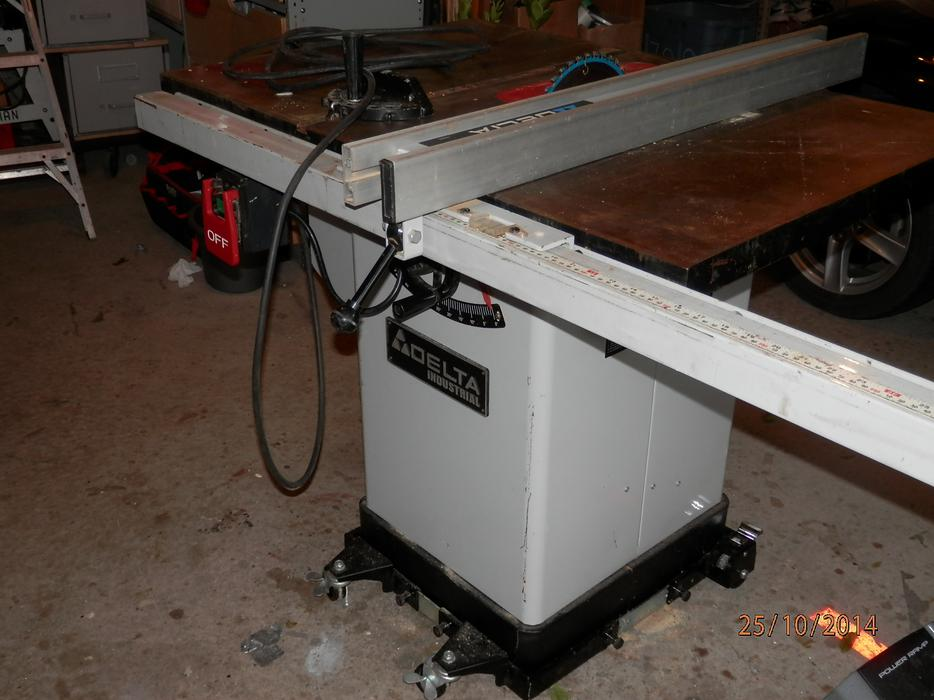 Delta Industrial Table Saw 10 Model 36 653c Top Is Clean No Rust West Shore Langford