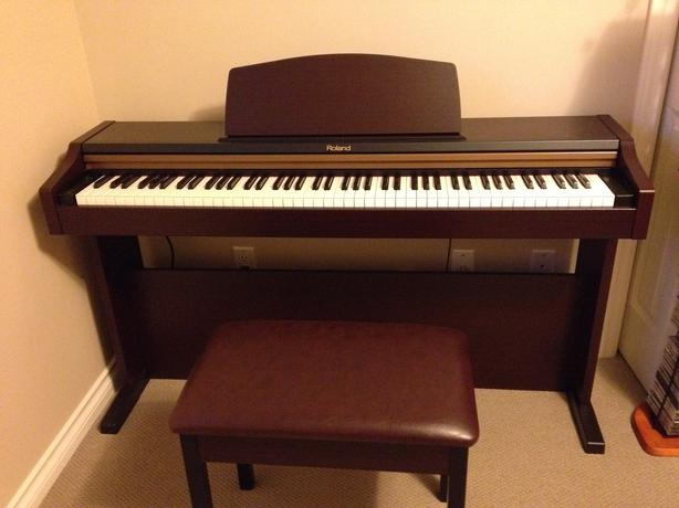 roland hp101 digital piano north saanich sidney victoria. Black Bedroom Furniture Sets. Home Design Ideas
