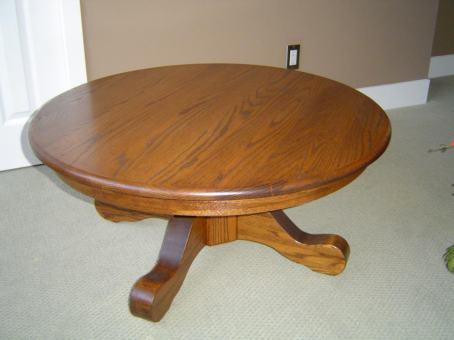 Round oak coffee table campbell river courtenay comox for Coffee tables kelowna