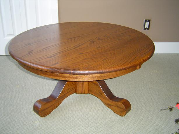 Round oak coffee table campbell river courtenay comox for Coffee tables 16 inches high