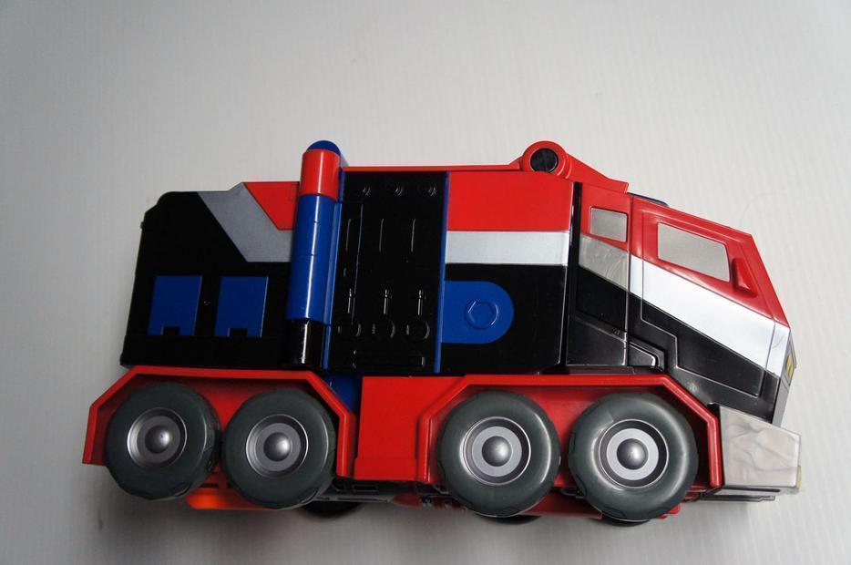 Hasbro 83614 Transformers Animated Autobot Optimus Prime Battle Blaster