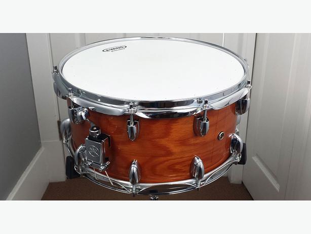 yamaha oak custom snare drum victoria city victoria. Black Bedroom Furniture Sets. Home Design Ideas