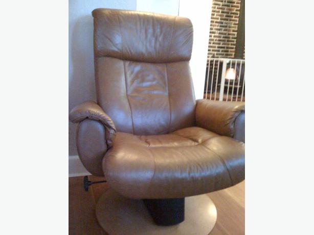 pallisar real leather swivel reclining chair saanich. Black Bedroom Furniture Sets. Home Design Ideas